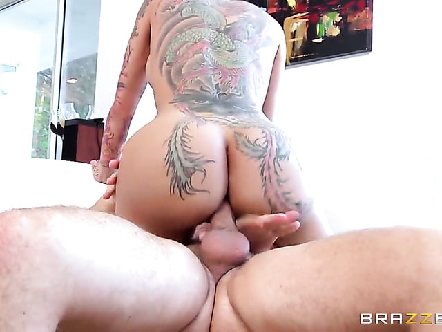 Keiran Lee shows nice anal tricks to Bella