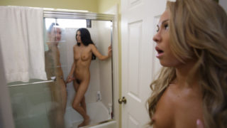 Katerina Kay & Nikki Daniels in Watch And Learn – MomsTeachSex