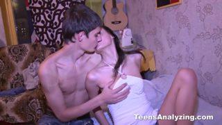Skinny teen gets a cumshot in anal