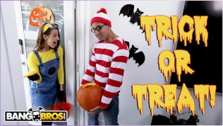 BANGBROS – Trick Or Treat, Smell Evelin Stone's Feet. (I Bet You Would!)